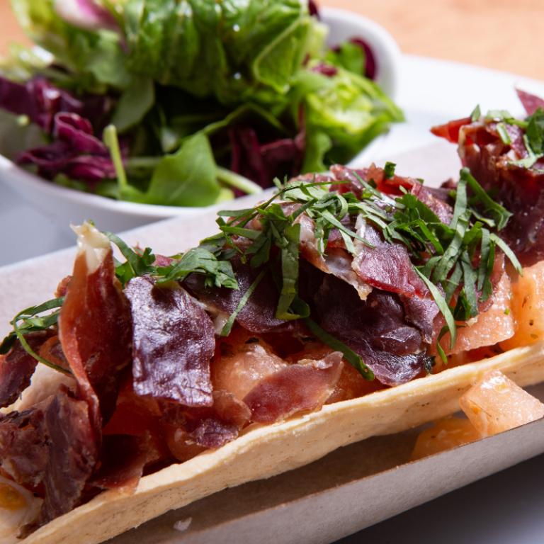 burrito-de-tomate-con-jamon-iberico