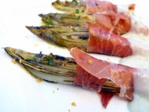 endivias-paleta-iberica-loncheada-y-queso-gongonzola